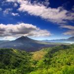 Mount_batur_and_lake